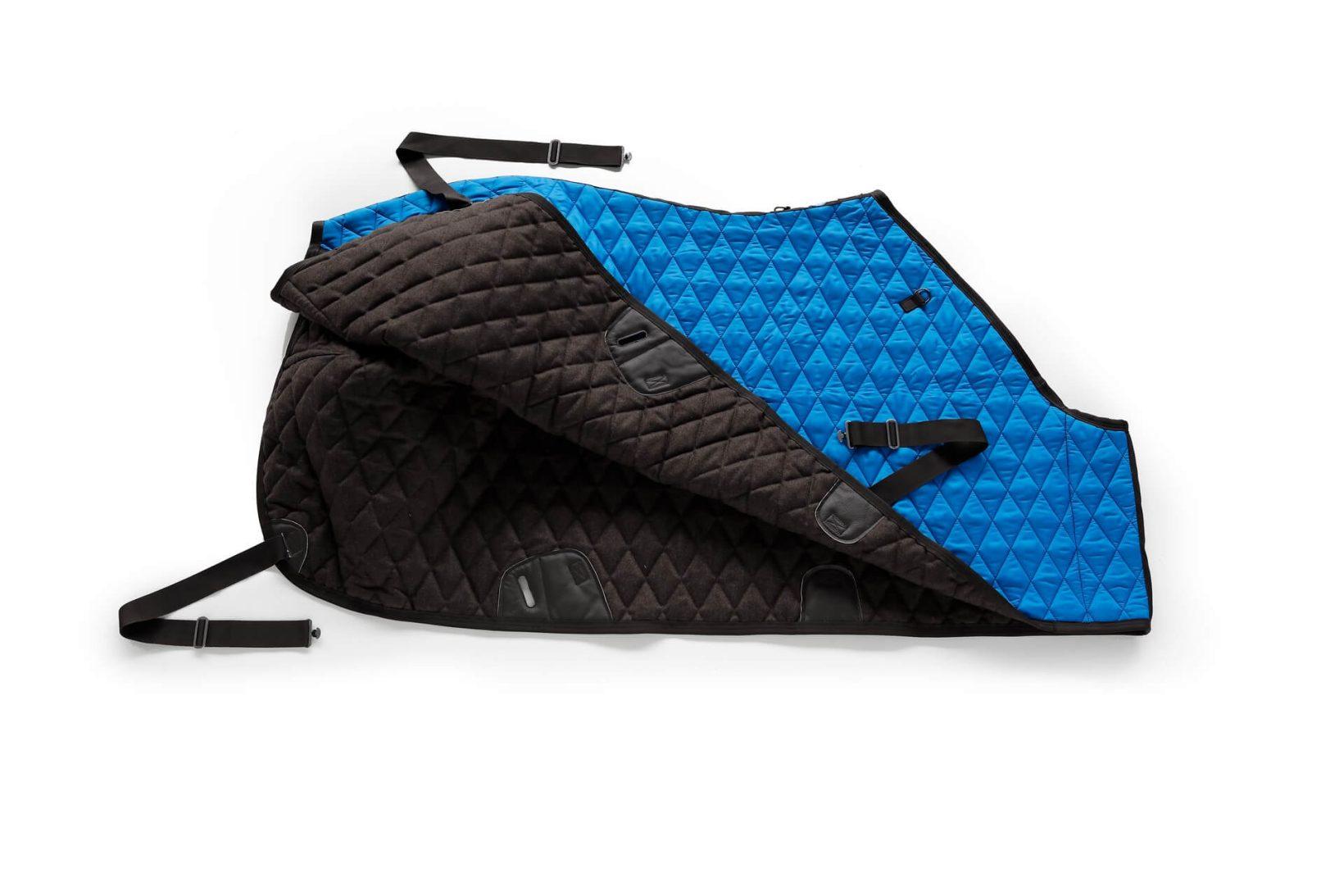 Copertina invernale blu per cavallo in nylon impermeabile e lana | 246 Reiner Professional
