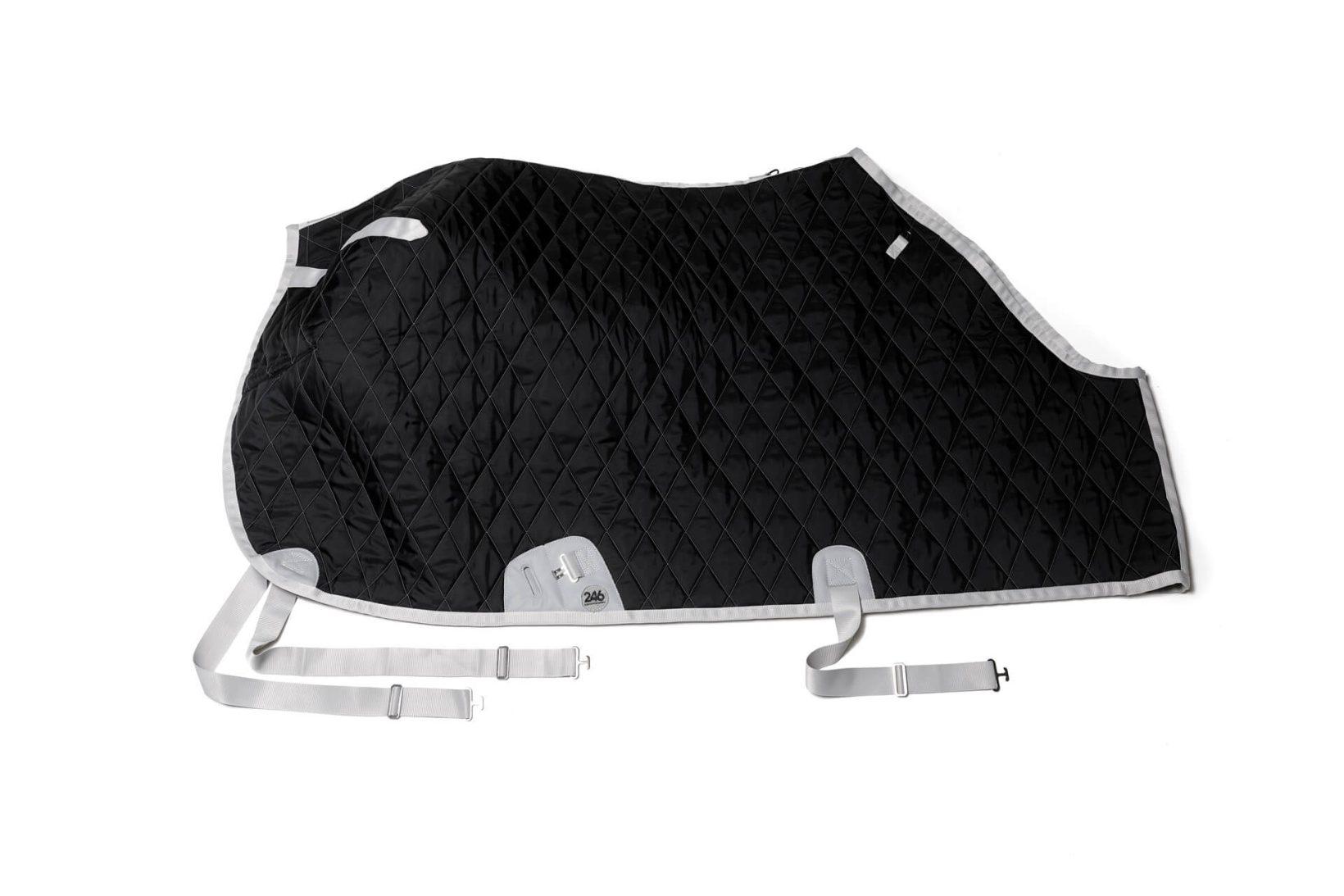 Copertina invernale nera per cavallo in nylon impermeabile e lana | 246 Reiner Professional
